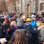 В Москве и Петербурге задержаны десятки участников акций в поддержку фигурантов дел