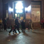 В Киеве подростки ограбили и разгромили магазин на Грушевского