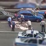 Чиновник в Ленобласти, уходя от полицейской погони, выкинул на дорогу треть миллиона