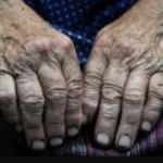 На Прикарпатье надругались над пенсионеркой