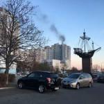 В Киеве на Оболони горит многоэтажка