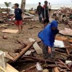 На Индонезию обрушилось «вулканическое» цунами, более 160 погибших