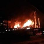 В Калуше горит завод по переработке нефтепродуктов