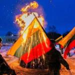 У Вильнюсской телебашни зажгли Памятные костры