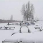 Под Киевом под лед провалились трое мужчин: есть погибшие