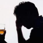 В Киеве пьяная пара избила прохожего