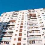 В киевской многоэтажке нашли тело парня