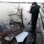 В Киеве из реки достали тело женщины