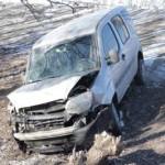 В Киеве 20-летний водитель снес отбойник и вылетел в кювет