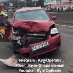 В Киеве произошло тройное ДТП с пострадавшими