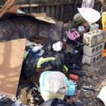 В Днепре 2-летнего ребенка держали в куче мусора
