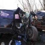 Смертельное ДТП в Киеве: машина влетела в бетонное ограждение