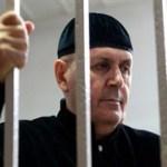 Нашедший секретные тюрьмы в Чечне правозащитник сел на четыре года