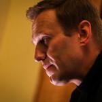 Вандалы разрисовали штаб Навального в Петербурге