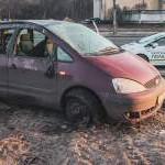 В Киеве из-за лопнувшего колеса произошло ДТП с переворотом