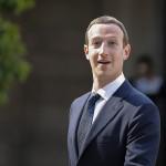 Лижем усерднее: как Facebook выслуживается перед Госдепом США?