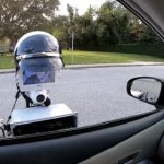Необычный робот, который позволит держать безопасную дистанцию между полицейскими и остановленными ими водителями
