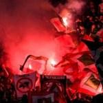 Российские фанаты массово покидают стадионы