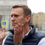 Волков прыгает на Минюст с зажатым в кулаке «Бенджамином»