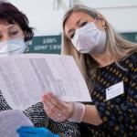 Минпросвещения: Учителя должны носить маски